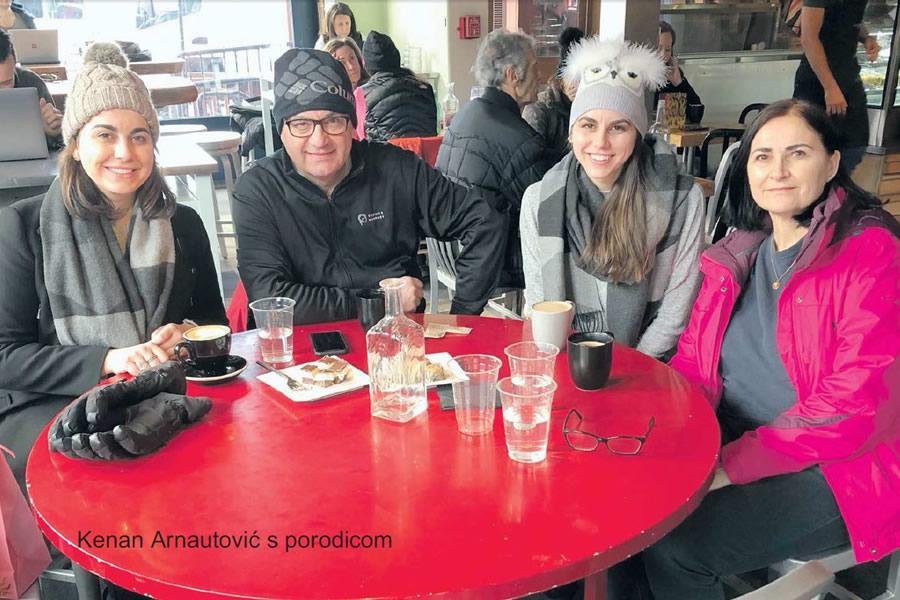 Doktor Kenan Arnautovic sa porodicom